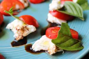 Picture of tomato, mozzarella, and basil salad
